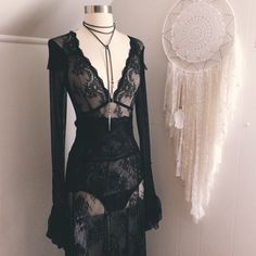 Mmmmmm black lacy, Witchy silhouette