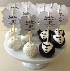 Bride and groom cake pops used for wedding favors. Cake pops York PA - Bride and groom cake pops used for wedding favors. Wedding Cake Balls, Wedding Cake Bakery, Wedding Sweets, Wedding Cookies, Wedding Cupcakes, Wedding Favour Cake Pops, Edible Wedding Favors, Beach Wedding Favors, Wedding Gifts
