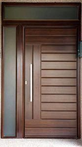 Benefits of Using Interior Wood Doors Flush Door Design, Wooden Main Door Design, Door Gate Design, Room Door Design, Door Design Interior, Modern Entrance Door, Modern Wooden Doors, Wooden Front Doors, The Doors