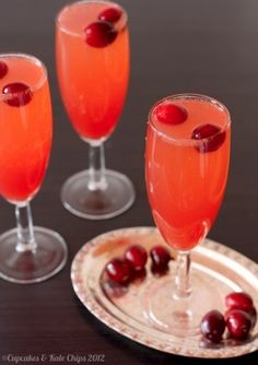 This cranberry sparkler mocktail is a fruity, festive non-alcoholic holiday drink! Or use sparkling wine to make it a cocktail! Winter Drinks, Holiday Drinks, Christmas Desserts, Fun Drinks, Healthy Drinks, Holiday Recipes, Beverages, Holiday Foods, Party Drinks