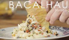 Vai dar um jantar e não sabe por onde começar? Como entrada, que tal uma bela receita para Salada de Bacalhau com Mousseline e Folha de Polenta?