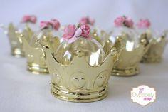 mini cúpula de coroa dourada
