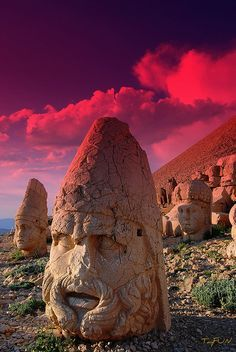 Ruins on Mount Nemrut, Turkey, burial site of kings, date ...