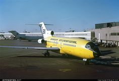 Braniff International arriving at Chicago O'Hare International January 1971 O'hare International Airport, Airplane Photography, Cargo Aircraft, Boeing 727, Jumbo Jet, Airport Photos, Wide Body, Space Travel, Photo Online