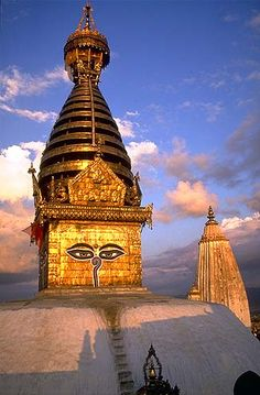 Swayambhunath Temple: Otherwise known as The Monkey Temple is a huge Buddhist and Hindu temple site and home to hundreds of monkeys in Kathmandu, Nepal. It is an important pilgrimage place for many Buddhists and Hindus around the world. Places Around The World, Travel Around The World, The Places Youll Go, Places To See, Around The Worlds, Voyage Nepal, Temples, Monte Everest, Nepal Kathmandu