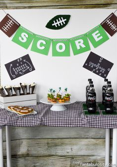 Easy DIY football party ideas to create in your own home for the big football game or Superbowl! Recipes, party decor, snacks, and a little DIY! Football Party Foods, Football Birthday, Football Banquet, Football Parties, Super Bowl, Party In A Box, Diy Party Decorations, Party Planning, First Birthdays
