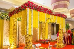 A Mandap decor for a wedding with a mix of contemporary & traditional floral arrangements! Marriage Hall Decoration, Wedding Hall Decorations, Backdrop Decorations, Backdrops, Background Decoration, Decor Wedding, Wedding Themes, Flower Decorations, Wedding Ideas