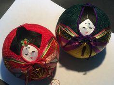 Works - capital Temari - page! Art Forms, Folk Art, Christmas Bulbs, Japanese, Embroidery, Holiday Decor, Inspiration, Balls, Christmas Light Bulbs