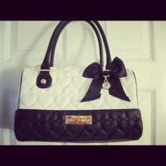 90f55f082a2e so cute Stylish Handbags, Purses And Handbags, Betsey Johnson Bags, Fashion  Bags,