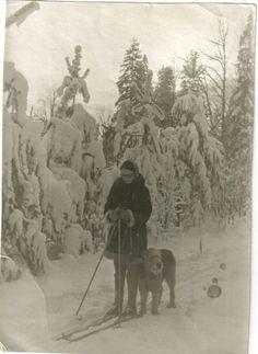 Эксперт, скульптор, владелец питомника русских борзых Марина Григорьевна Островская со своим Эрделем.
