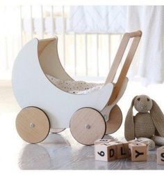 65 super Ideas for diy baby toys wooden doll houses You are in the right place about retro Toys Here we offer you the most beautiful pictures about the Toys photography you are looking for. Pram Toys, Dolls Prams, Wooden Baby Toys, Wood Toys, Wooden Toys For Kids, Wooden Dolls, Woodworking For Kids, Woodworking Projects, Diy Projects