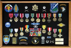 Medals, honorary distinctions and badges of Robert Burr Smith - Easy Company, 2nd Battalion, 506th PIR, 101st Airborne Division.