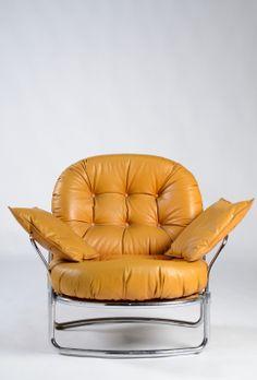 Carlo De Carli; Chromed Tubular Steel and Leather Armchair for Cinova, 1969.