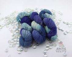 Twilight starts off with a pale light blue, fades into a denim blue then into purple. This base is perfect for blankets, hats, scarfs, baby and kids