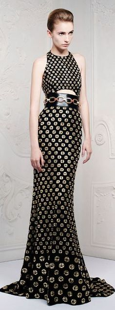 in love with this dress from the belt down. Alexander McQueen Resort 2013