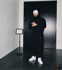 CelebritiesBuzz Drake is coming to Ghana A top event organizer has contacted Celebrities Buzz on an exclusive report that Drake is set to come to Ghana Aubrey Drake, Drake Fashion, Mens Fashion, Men Looks, Drake Wallpapers, Drake Clothing, Drake Drizzy, Drake Ovo, Arte Hip Hop