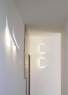 Viabizzuno - la DOdo (available at Lichtmeesters™) Modern Lighting Design, Cool Lighting, Interior Lighting, Wall Light Fittings, Modern Light Fixtures, Light In, Lamp Light, Living Etc, Interior And Exterior