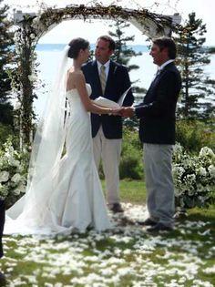 archway#2 - 2010 Alda's Maine Weddings and Celebration Flowers