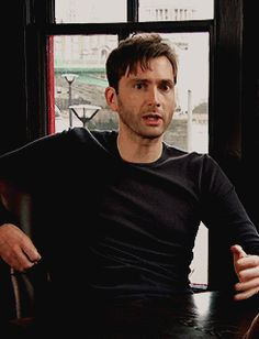 (Gif) DT talking with his hands as always ;)