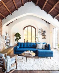 "n i c o l e (@sweet_domicile) on Instagram: ""The beauty of this room, the high ceiling, a blue sofa"
