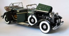 1932 Ford Lincoln KB Sun Star  SS6165 Scale:1/18