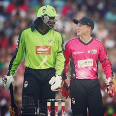 Who enjoyed the battle between Chris Gayle & Brad Haddin last night? #BBL #SydneyDerby