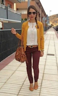 Maroon pants and a pop of yellow cute fall outfit! Yellow Cardigan Outfits, Mustard Cardigan Outfit, Burgundy Pants Outfit, What To Wear With Burgundy Pants, Colored Jeans Outfits, Mustard Yellow Outfit, Casual Work Outfits, Business Casual Outfits, Fall Outfits