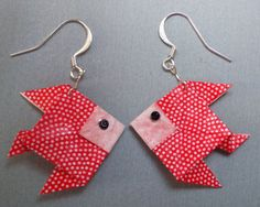 Boucles d'oreille poisson rouge en origami de papier japonais