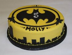 Batman Cake for a 5 year old girl. It was abit rushed, so wasn't quite what I wanted, but I hope she liked it.