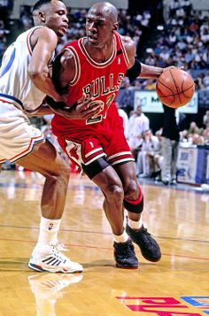 The GOAT abuses John Battle in the post during a playoff game in Cleveland.
