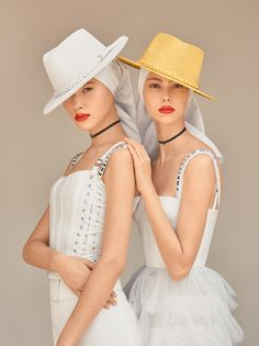 Lorena Maraschi e Angelica Erthal em dose dupla na edição de março da Vogue Brasil