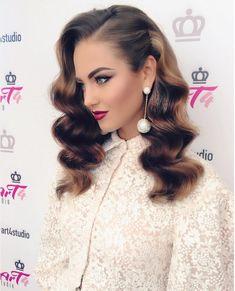 hair hair waves Fryzura na studniwk 2019 - m Romantic Hairstyles, Retro Hairstyles, Wedding Hairstyles, Hollywood Hairstyles, Wave Hairstyles, Holiday Hairstyles, Formal Hairstyles, Summer Hairstyles, Bridesmaid Hair