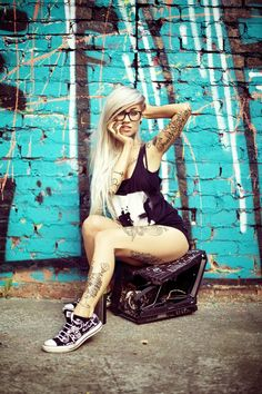 Pretty photo with nice blonde inked girl model Sara Fabel Tattoo Girls, Girl Tattoos, Tatoos, Sara Fabel, Hot Tattoos, Skull Tattoos, Girls With Glasses, Nice Glasses, Geek Girls