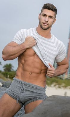 Hommes Sexy, Muscular Men, Athletic Men, Sexy Shirts, Hot Boys, Sensual, Gorgeous Men, Cute Guys, Male Models