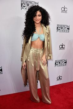 American Music Awards Red Carpet | AMAs Best Dressed Celebs 2014 | Teen Vogue