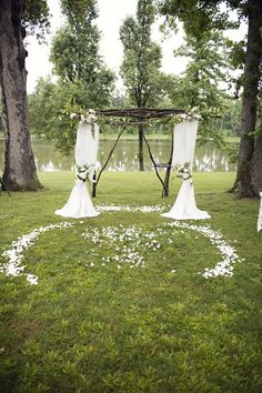 Arch and love the petals! Great idea to mark where people stand too!