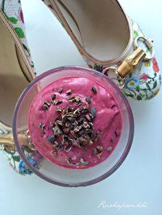Ruokapankki: Aamusmoothie Smoothies, Bracelet Watch, Healthy Recipes, Healthy Foods, Drinks, Bracelets, Accessories, Koti, Milkshakes