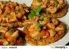 Ovesné bramboráčky s minutkovým kuřecím masem recept - TopRecepty.cz Gnocchi, Bruschetta, Baked Potato, Food And Drink, Potatoes, Treats, Baking, Ethnic Recipes, Foods