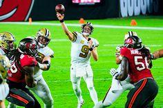 Saints QB Drew Brees throws for an NFL touchdown record Sports Action Photography, Saints Vs, Tom Brady, Football Helmets, Nfl, Sunday, Night, Domingo, Nfl Football