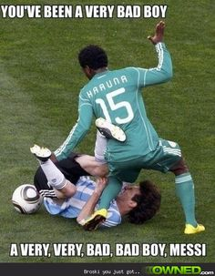 12 Hilarious Sports Memes That Will Make You Laugh - We all love sports and love watching games. Sometimes there might be funny moments during games, an - Funny Soccer Pictures, Funny Football Memes, Soccer Jokes, Funny Sports Memes, Soccer Stuff, Play Soccer, Funny Pics, Really Funny Memes, Stupid Funny Memes