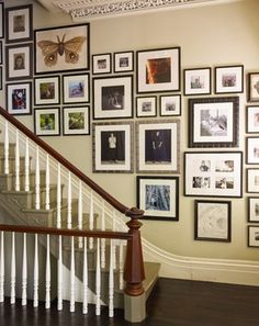 Staircase wall is often a cold corner overlooked by homeowners. But with a little creativity, your staircase wall can be transformed from an ignored area to an attractive focal point. The staircase wall is just Stairway Photos, Stairway Gallery Wall, Staircase Pictures, Stairway Walls, Gallery Walls, Art Gallery, Wall Pictures, Collage Pictures, Frame Gallery