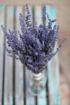 Colorado Lavender Bouquet by 3 Leaf Floral // wedding chicks // photo by Cat Mayer Studio