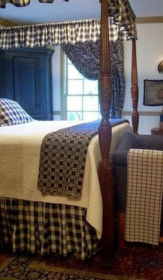 Country Chic Home Decor. Interior Planning Tips The Pros Don't Want You To Find out Primitive Country Bedrooms, Primitive Tables, Primitive Furniture, Country Primitive, Farmhouse Bedrooms, Antique Furniture, Colonial Bedroom, Colonial Home Decor, Colonial Decorating