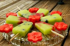 Frozen Melon Berry Pops = tasty summer treat!