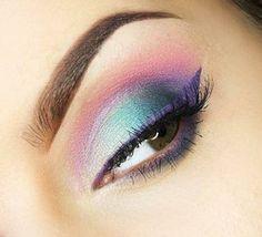 Cómo hacer un maquillaje de noche con 3 tonalidades de sombras