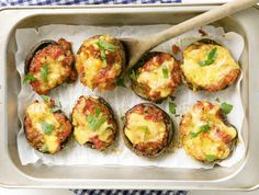 Baked mushrooms • Braai the mushrooms or cook them in the oven. A perfect dish for vegetarians.
