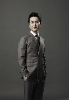 [K-Profile] Name: Jang Hyun-Sung Hangul: 장현성 Birthdate: July 17, 1970 Birthplace: Geoje, South Gyeongsang Province, South Korea University: Seoul Institute of the Arts Height: Blood Type:  Movies~  https://www.instagram.com/p/BBeGvm5pTFb/?taken-by=koreabasecamp