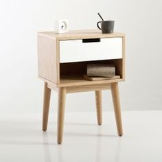 Jimi Vintage-Style Bedside Table La Redoute Interieurs This bedside cabinet will bring a stylish look into your bedroom with its vintage look, combining light wood and white wood and its style. Wall Mounted Bedside Table, Bedside Cabinet, Bedside Tables, Scandi Bedside Table, Table Furniture, Bedroom Furniture, Home Furniture, Mesa Retro, Walnut Shelves