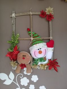 Se você gostou curta e comente ❤❤❤😍 Felt Christmas Ornaments, Diy Christmas Ornaments, Christmas Tree Decorations, Christmas Fun, Christmas Wreaths, Snowman Crafts, Christmas Projects, Felt Crafts, Holiday Crafts