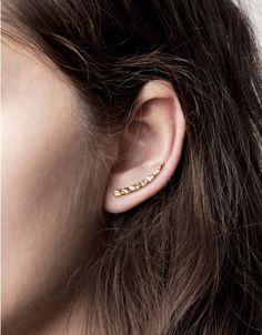 tusk ear pin